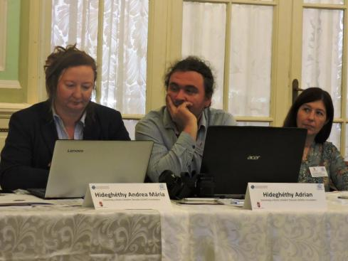 020- A Konferencia résztvevői az előadás alatt
