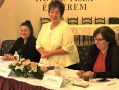 041- A VI. Kárpát-medencei Civil Konferencia főasztala